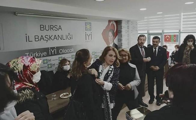 İYİ PARTİ'de Kadınlar  Seferberlik İlan Etti!