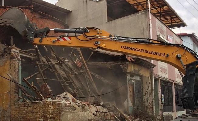 Bursa'da Metruk Binalar Yıkılıyor Vatandaş Rahatlıyor