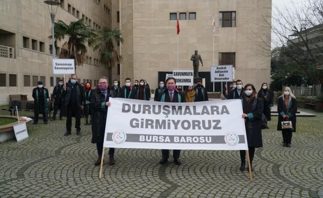 Bursa'da avukatlar duruşmalara girmedi!