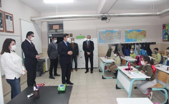 Bursa'da Okullar Yüz Yüze Eğitimle Açıldı