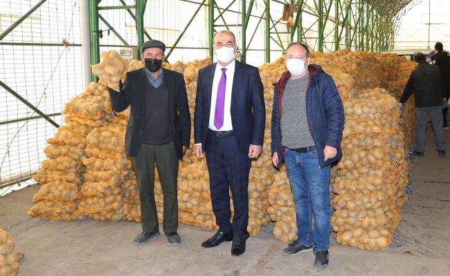 Mudanya Belediyesi'nden İhtiyaç Sahiplerine 80 Ton Patates