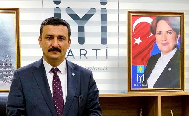 Türkoğlu'ndan Adanur'un adaylık kararına anlamlı destek