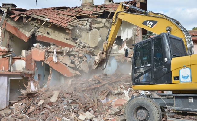 Yıldırım Belediyesi Metruk Bina Bırakmıyor