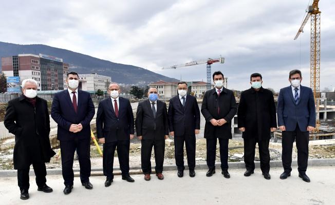 """Dündar: """"Meydan Bursa'mıza Nefes Aldıracak"""""""