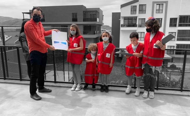 Miniklerden Türk Kızılay Bursa'ya Anlamlı Bağış