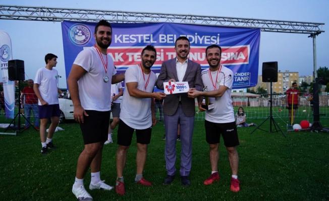 Bursa'nın İlk Ayak Tenisi Turnuvası Kestel'de