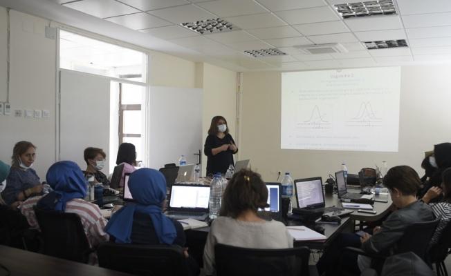BUSKİ laboratuvar personeline metot eğitimi