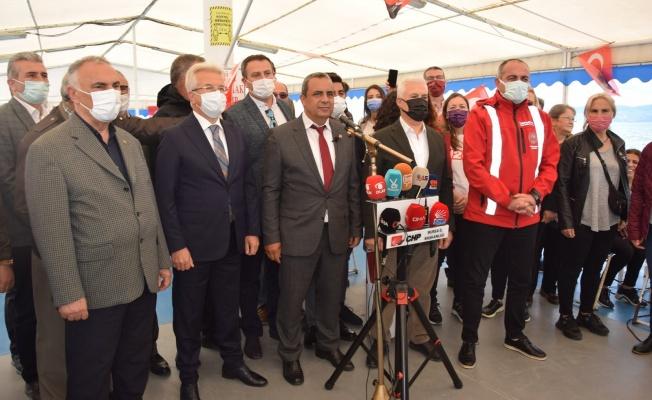 CHP Bursa'da denize açıldı