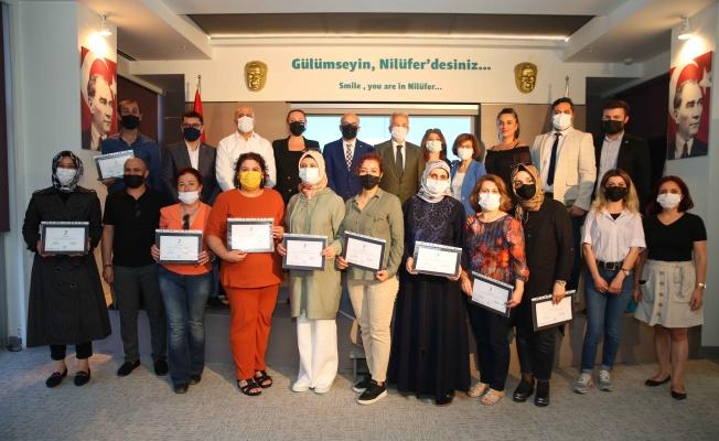 Hasta ve Yaşlı Bakımı eğitimine katılanlara sertifika