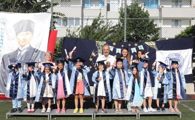 Agah Bursalı Kreşi'nde mezuniyet heyecanı