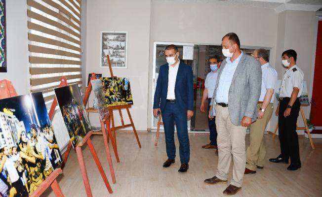 İznik'te 15 Temmuz Fotoğraf Sergisi Açıldı
