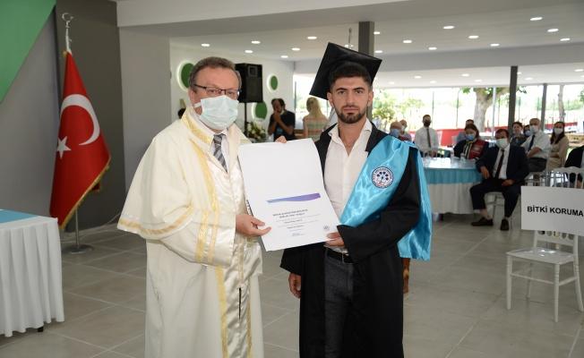 Yenişehir MYO'da mezuniyet coşkusu