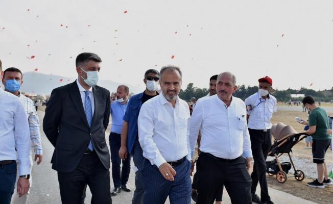 Bursa'da Zafer coşkusu uçurtmalarla yaşandı