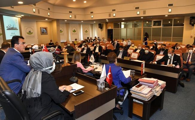 """Dündar: """"136 Mahallede 160 Şantiyemiz Var"""""""