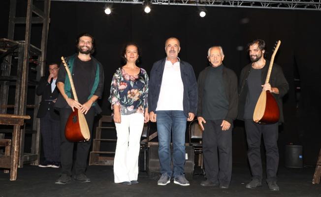 Genco Erkal, Kurtuluş Gününde Ahmed Arif Şiirleriyle Mudanya'daydı