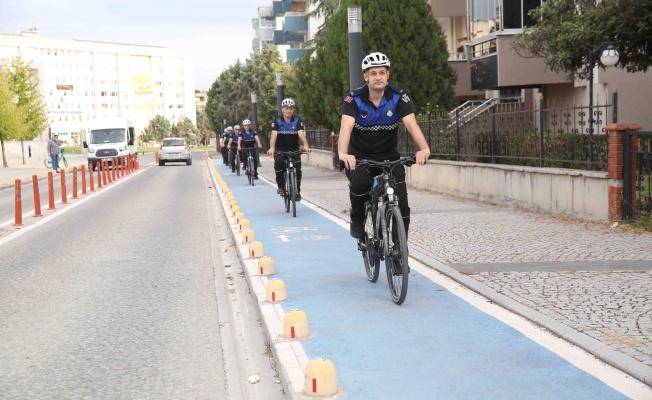 İşe bisikletle geldiler