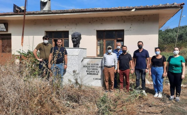 Kemal Demirel: Kapalı köy okulları mutlaka açılmalı