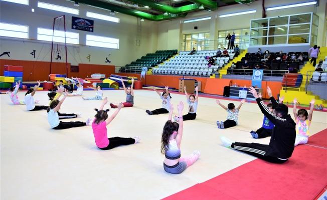 Kış Spor Okulları'nda Yeni Dönem Başladı