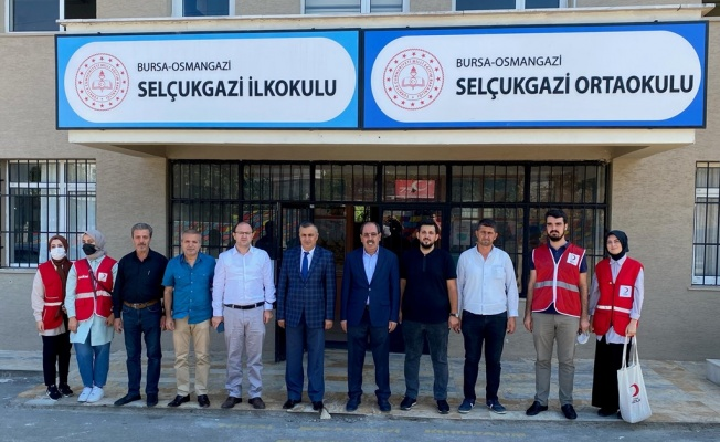 Kızılay Osmangazi'den Selçukgazi İlkokulu'na Kütüphane…