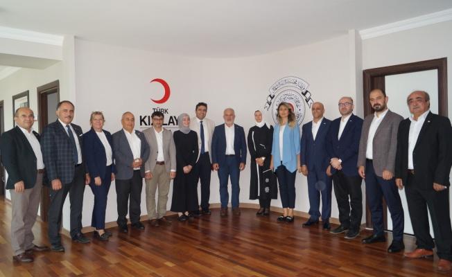 Türk Kızılay Genel Başkanı Kerem Kınık'tan Bursa Şube'ye Övgü