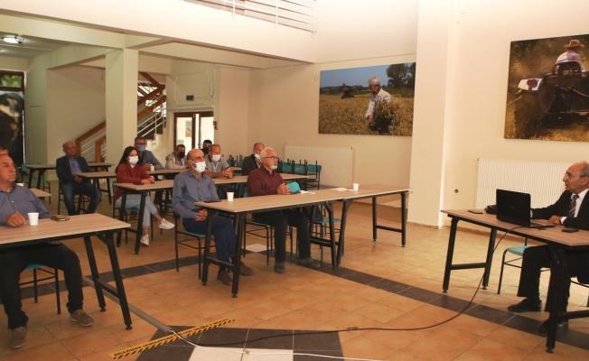Çiftçilere kooperatifçilik ve tarımda örgütlenme eğitimi