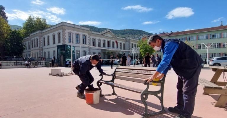 Osmangazi'den okullarda bakım ve onarım çalışması