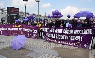 Bursa'da Kadınlar Meydanlardaydı