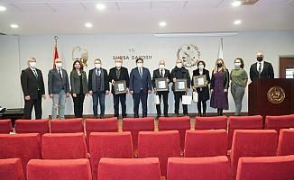 Bursa Barosu'ndan Cargill Davası Avukatlarına Plaket
