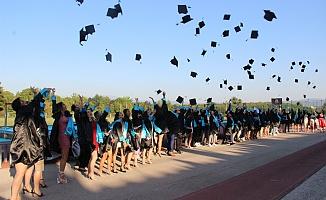 Spor Bilimleri Fakültesi'nde mezuniyet sevinci
