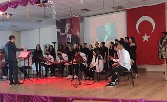Bursa'da Zeki Müren çeşitli etkinliklerle anıldı