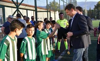 Futbolun Yıldızları Osmangazi'de Sahaya Çıktı