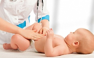 Bebeklerde bağırsak felcine dikkat!